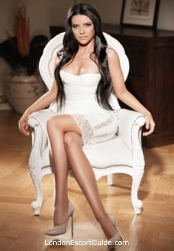 Bayswater brunette Giorgia london escort