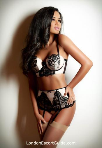 Outcall Only brunette Glenda london escort