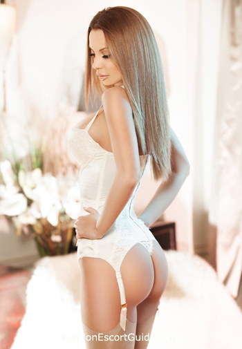 Marylebone brunette Sharon london escort
