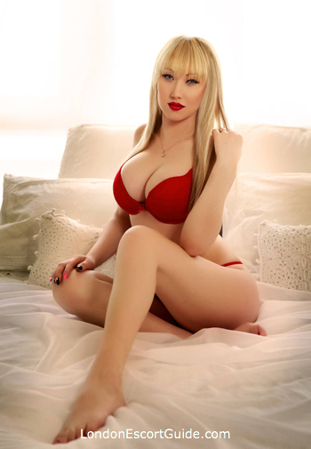 Chelsea indian Adelly london escort