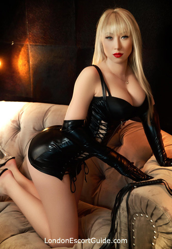 Chelsea value Adelly london escort