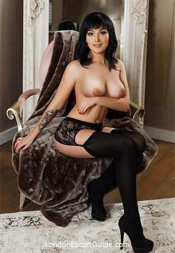 South Kensington brunette Wendy london escort