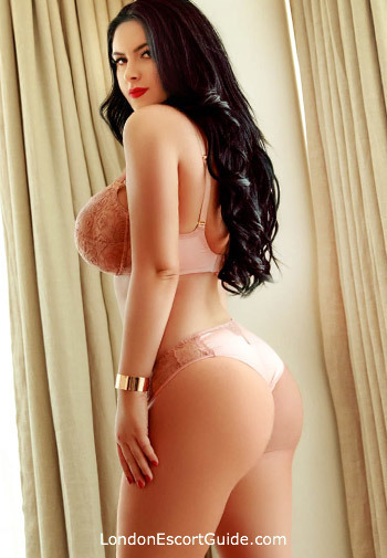 Edgware Road under-200 Anda london escort