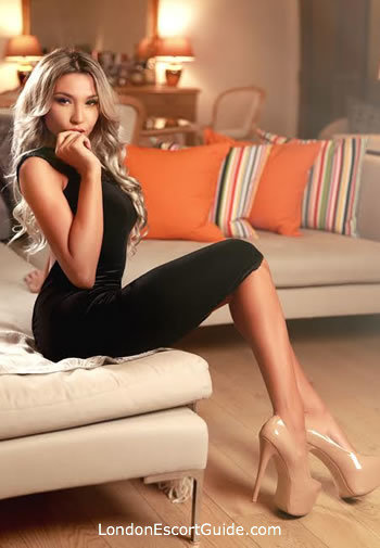 Kensington blonde Kate london escort