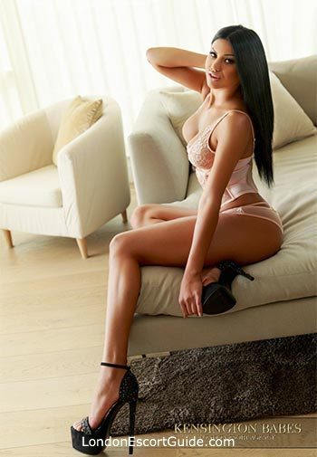 Chelsea under-200 Yasemin london escort