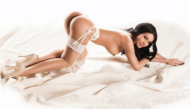 South Kensington brunette Giulia london escort