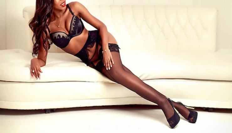 Holborn 300-to-400 Amber Ashton london escort