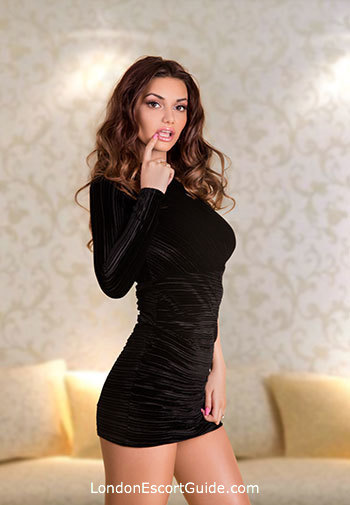Chelsea brunette Amanda london escort