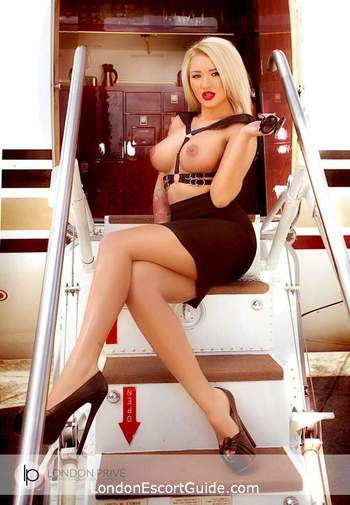 Kensington Olympia 300-to-400 Nicole Blonde london escort