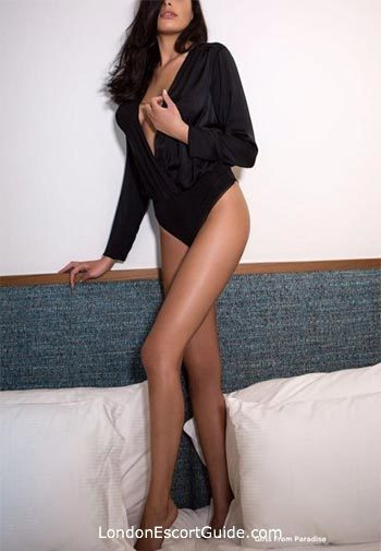 Mayfair brunette Emilie london escort