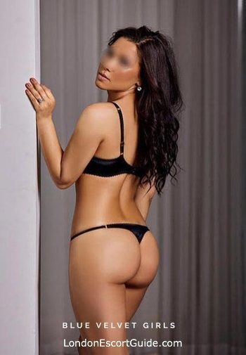 Kensington brunette Samara london escort
