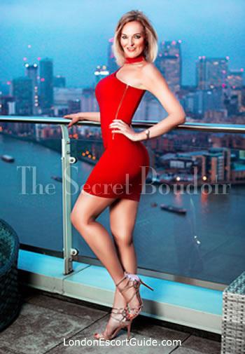 Mayfair busty Nikki london escort