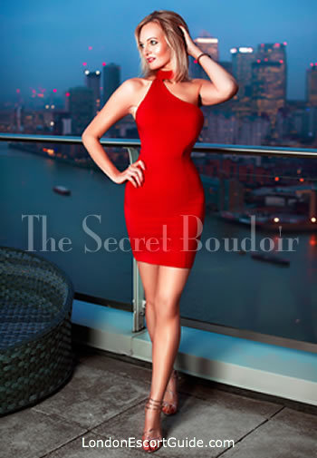 Mayfair blonde Nikki london escort