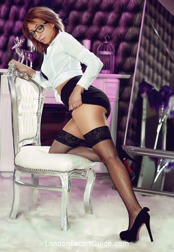 Paddington brunette Cathy london escort