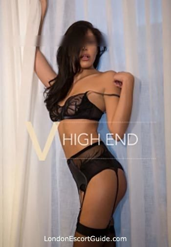 Mayfair brunette Marie london escort