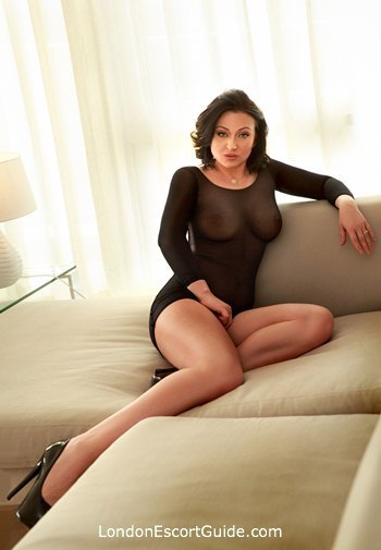 Knightsbridge brunette Lara london escort