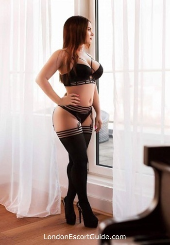 Marylebone busty Alba london escort