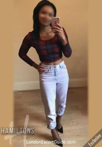 Kensington brunette Danni london escort