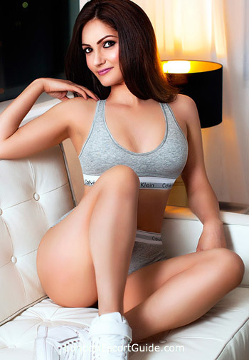 Bayswater east-european Daisee london escort