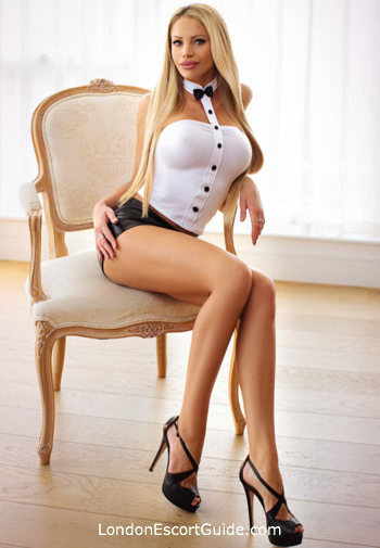 Knightsbridge blonde Jessica london escort