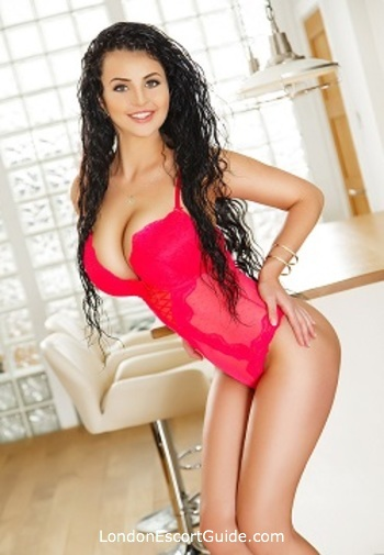 South Kensington brunette Lory london escort