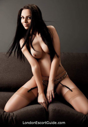 Chelsea brunette Larisa london escort