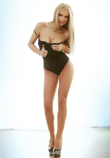 Paddington blonde Zoe london escort
