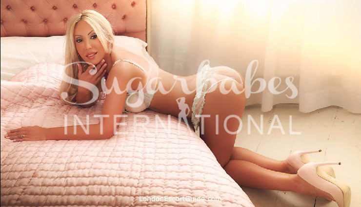 Kensington blonde Korrina london escort