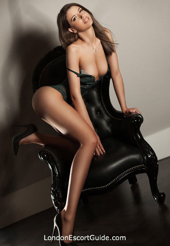 Kensington brunette Ramona london escort