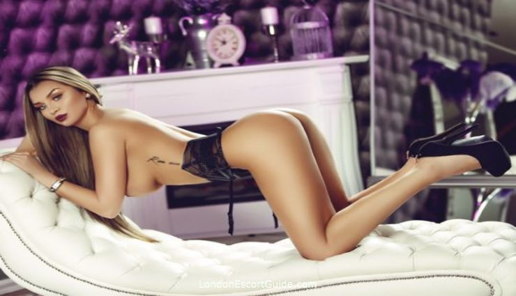 South Kensington brunette Samantha london escort