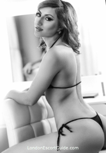 Earls Court blonde Avera london escort
