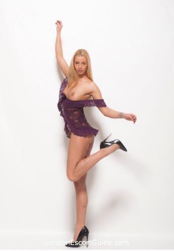 Westminster blonde Compensa london escort