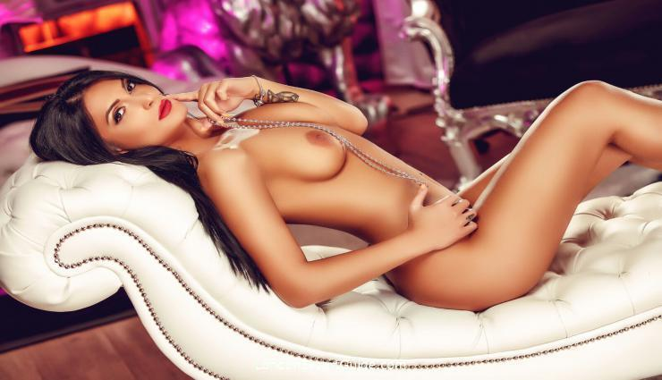 Marble Arch brunette Minerva london escort