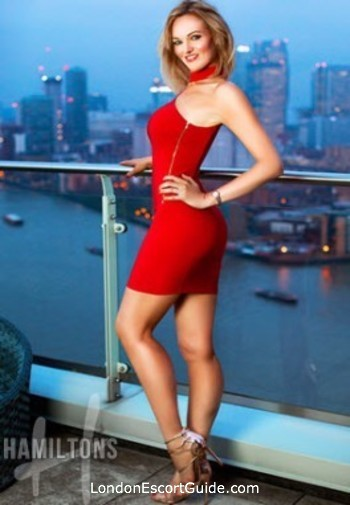 Mayfair mature Nikki london escort