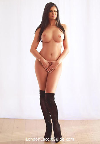 Mayfair under-200 Marianna london escort