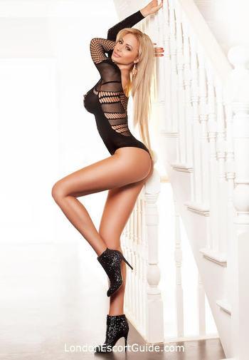 Bayswater blonde Sisi london escort