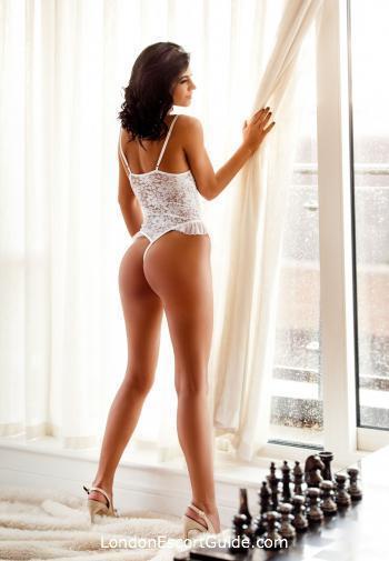 South Kensington brunette Tamsa london escort
