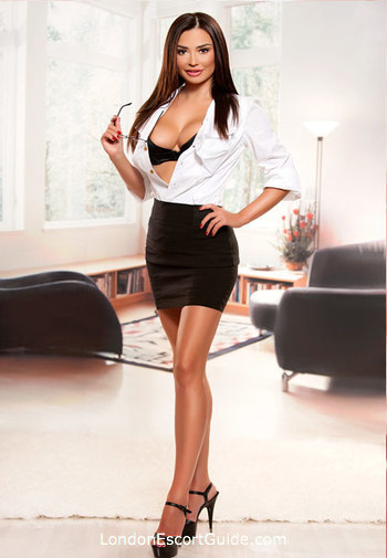 Chelsea brunette Florence london escort