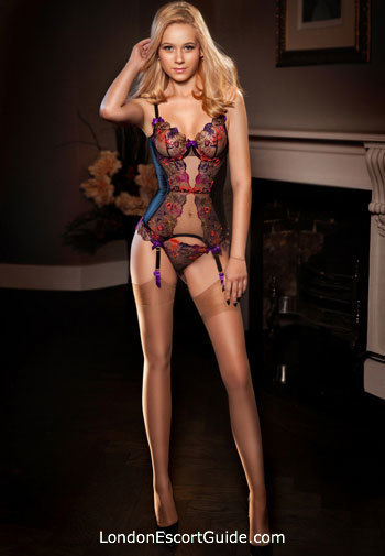 Earls Court blonde Roxana london escort
