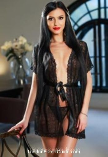 Notting Hill value Nur london escort