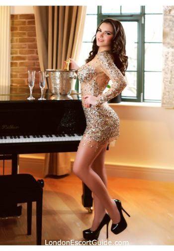 Kensington brunette Kassandra london escort