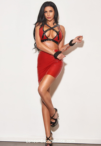 Earls Court brunette Linda london escort