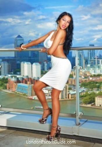 Victoria busty Elektra london escort