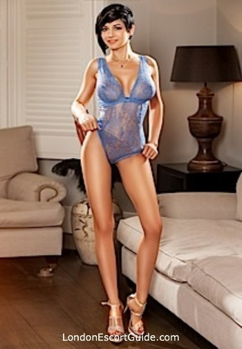 Knightsbridge busty Johnica london escort