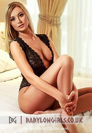 Notting Hill under-200 Evette london escort