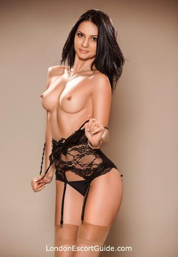 Marble Arch brunette Evelyn london escort
