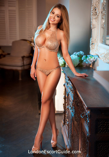 Kensington elite Elizee london escort