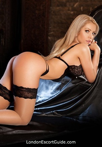 Paddington 200-to-300 Aysel london escort