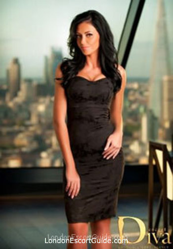 Central London brunette Maggie london escort