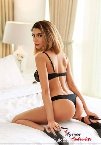 South Kensington petite Carmelita london escort